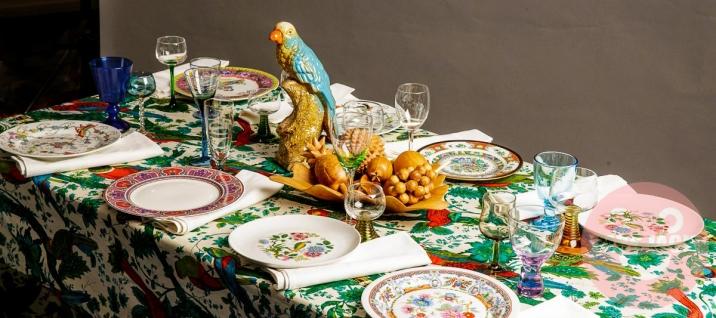 MULTI-COLORED TABLE