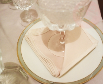 PASTEL POSH TABLESCAPE