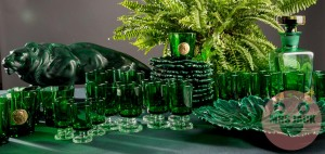 PARTY TABLE GREEN LEAF