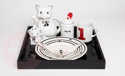 Breakfast Tray with Cats €55,-