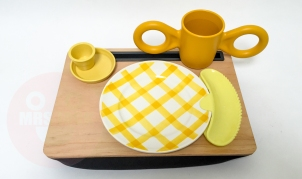 BREAKFAST LAP TRAY €55,-