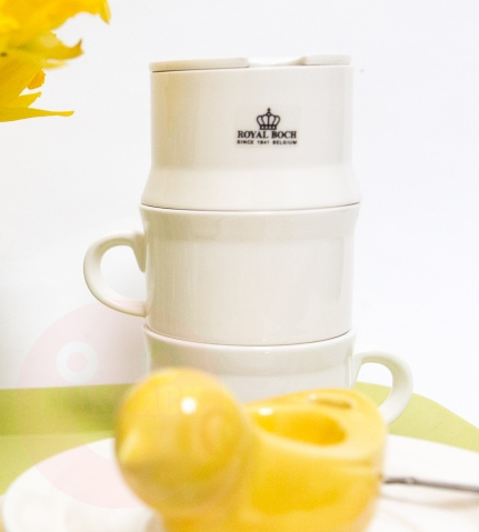 'Stackable' serveware designed by Pieter Stockmans for Royal Boch on mrs jack's yellow tray €65,-
